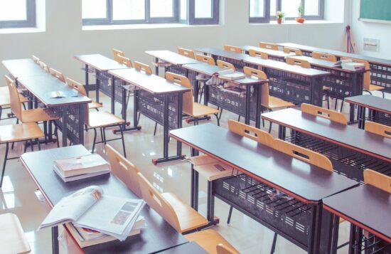 Uni - Schule - Leeres Klassenzimmer