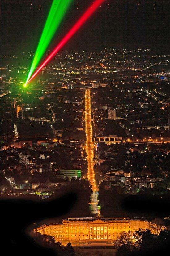Laserscape ziert Himmel an Silvester in Kassel! – Auch der Herkules erstrahlt!