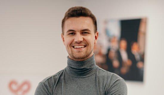 Flirten mit Maske: Dating-Experte Niklas Becker verrät die besten Tipps