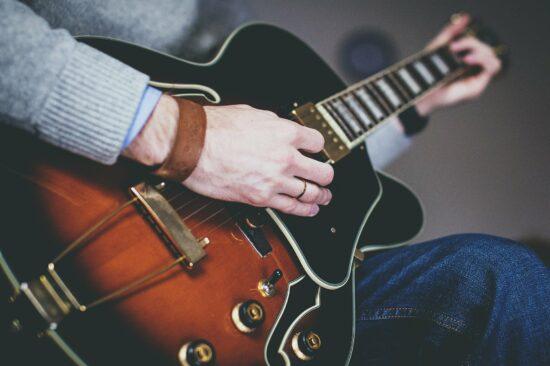 Virtueller Gitarrenkurs mit Guitar Master Plan: So klappt's mit der Rockstar-Karriere!   (c) Pixabay