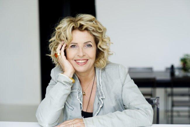 Der Kultursommer Nordhessen plant Sonnenaufgangs- und Klapptstuhlkonzerte. Eine der eingelandenen Künstlerinnen ist die Schauspielerin Michaela May (u.a. Polizeiruf 110, Traumschiff, Rosamunde Pilcher)   (c) Janine Guldener