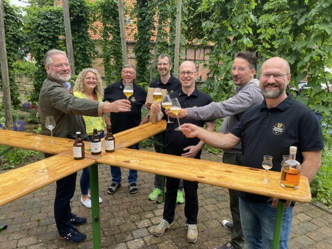 Flechtwerk French Ale: Warburger Brauerei und Nieheimer Bürgerbrauzunft mit neuer Bierkreation!