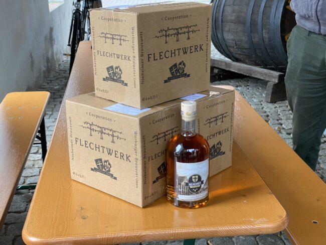 Der neue Bierbrand hat es zwar in sich, soll aber für den leichten Genuss bestimmt sein. | (c) Warburger Brauerei Kohlschein