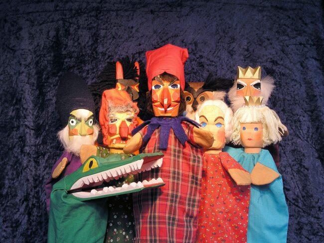 Verschiedene Figuren für besondere Geschichten, das wollen die Paderborner Puppenspiele für ihr Publikum auf die Bühne bringen.   (c) pixabay