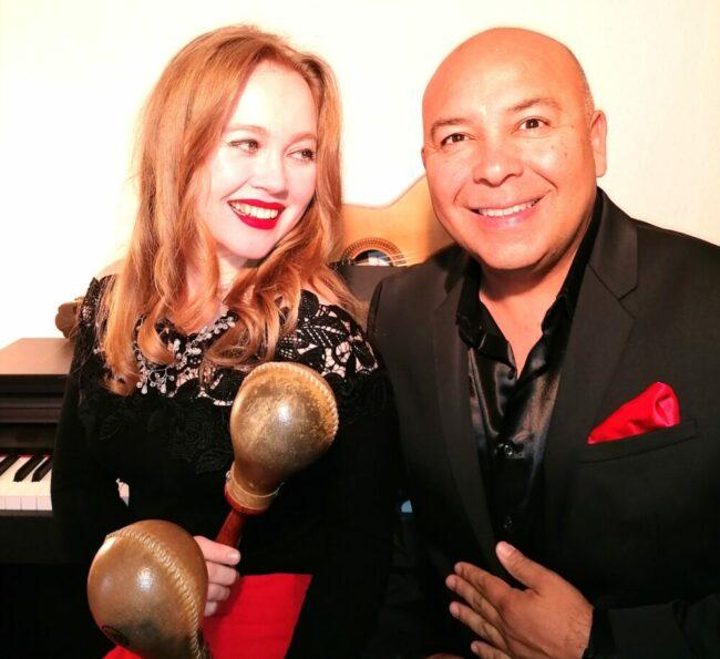 Spielen beim Kasseler Weltmusikfestival: Rey Valencia & Lilia Gilmanova (c) Dirk Kluge