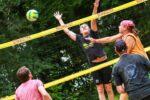 Beachvolleyball in Alsfeld: Turnier und Arschbomben-Contest im Freibad!
