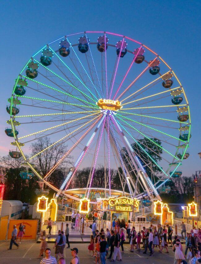 Diesmal kein Lullusfest: Aber ein Riesenrad und Attraktionen sollen im Oktober in Bad Hersfeld für ausgelassene Kirmes-Gefühle sorgen. | (c) Stadt Bad Hersfeld