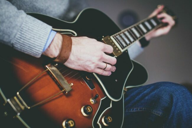 BARock-AG veranstaltet Gitarren-Workshop mit Björn Müller!   (c) Pixabay