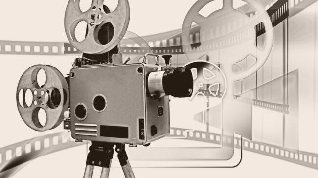 Filme, die provozieren und ein Statement setzen: Bei der 12 ¾. Filmreihe »Konflikt und Film« setzen sich die Zuschauer:innen mit kritischen Themen auseinander. | (c) pixabay