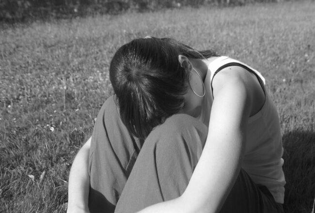 Das Gefühl von Einsamkeit und Ausgelieferheit kann man sich nicht ausmalen: Vor allem junge Mädchen sind von illegalen Kinderhochzeiten stark betroffen. | (c) Pixabay
