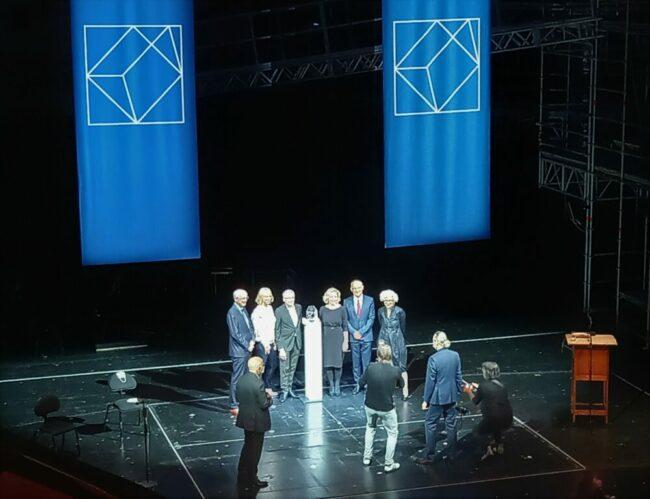 Preisverleihung »Das Glas der Vernunft« im Opernhaus – am 3. Oktober bekam »Reporter ohne Grenzen« den alljährlichen Bürgerpreis, der Vorstandssprecher nahm ihn entgegen