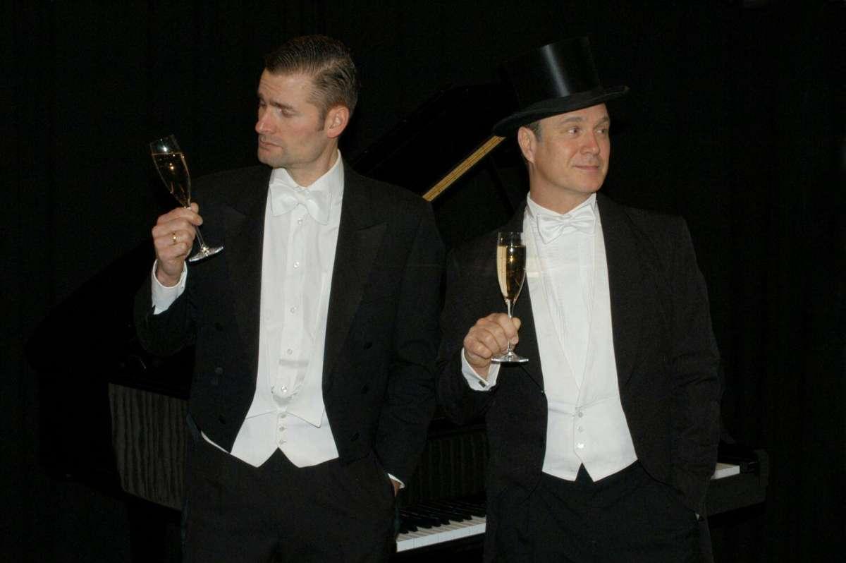 Die Männer sind schon die Liebe wert - Herrenkonfekt - Kulturforum  - Warburg