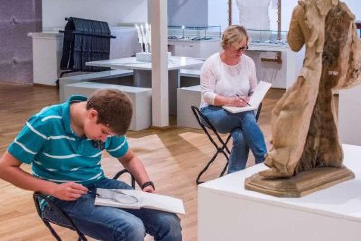 After Work Chill Out - Zeichnen im Museum  - Diözesanmuseum  - Paderborn