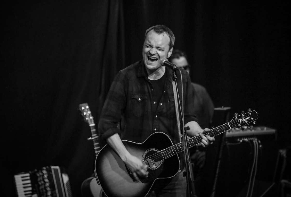 12. Bruce Springsteen Tribute Nacht. Benefiz-Konzert - Robert Oberbeck & The M Street Band - Waggonhalle Kulturzentrum e.V. - Marburg