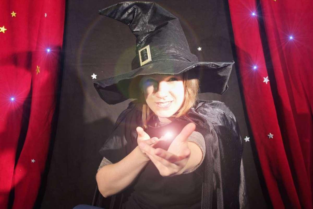 Weihnachtsferienprogramm für Kinder: Magische Zauberwerkstatt - wortreich - Bad Hersfeld