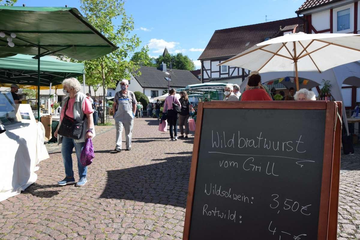 """Feierabend-Markt in Oberkaufungen: """"Schlemmen, schnuddeln und leckere Produkte für Zuhause kaufen."""""""