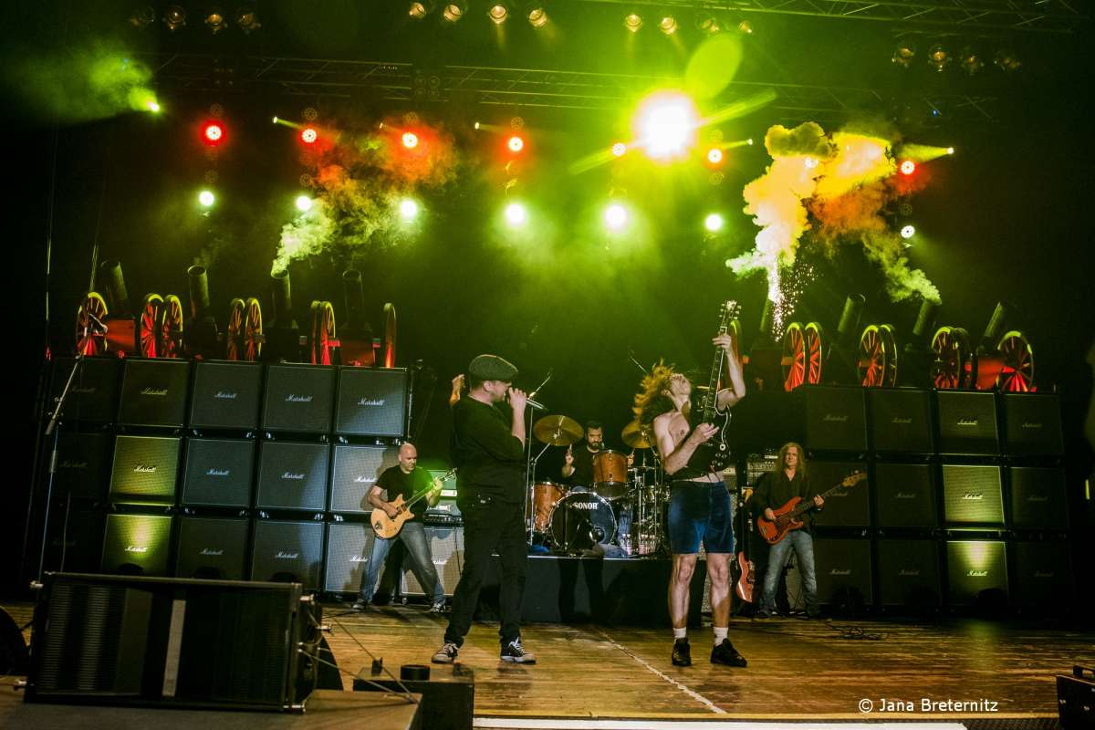 AC/DC Tribute Show