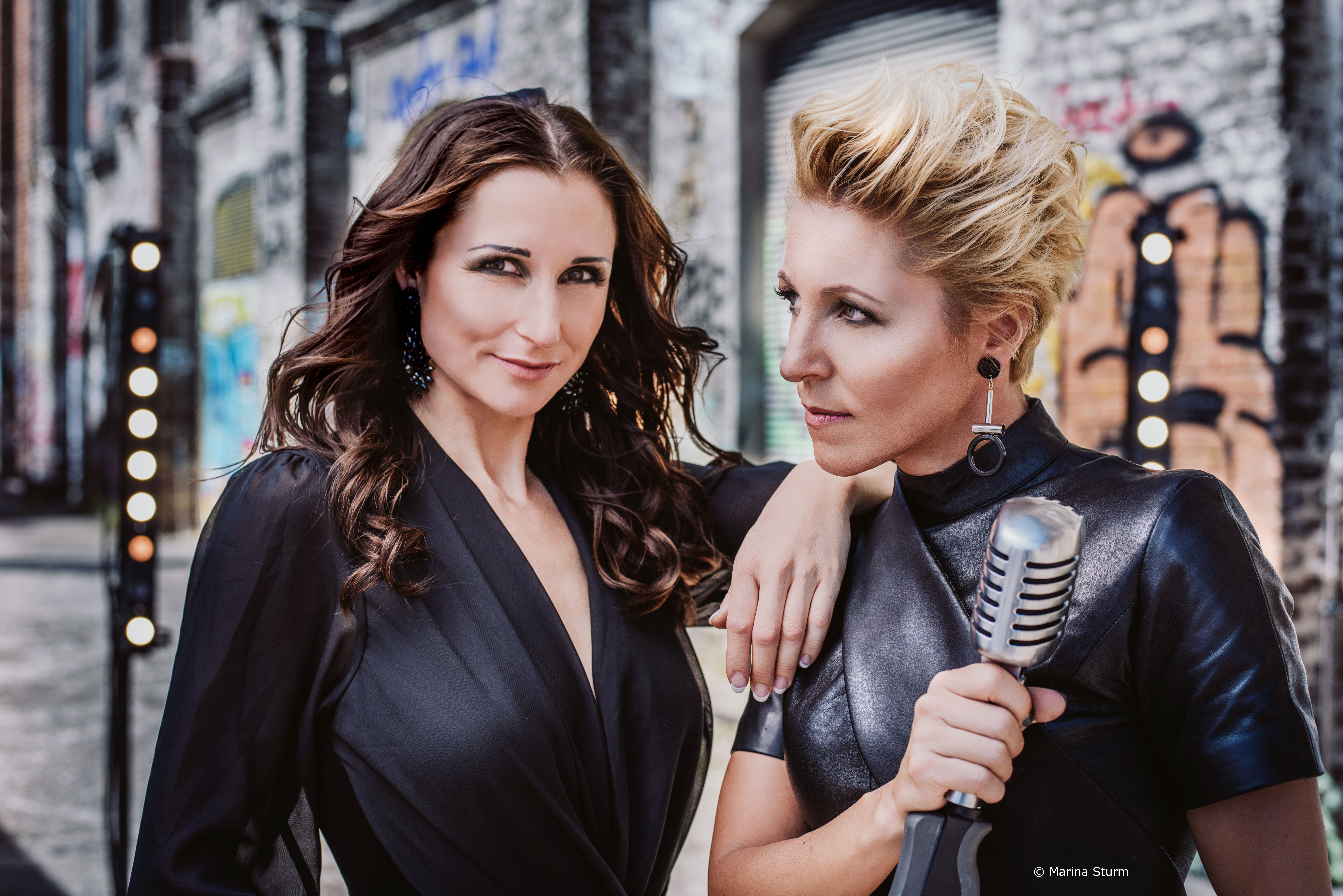 Ww-Terminator: 30 Jahre Leidenschaft - Antia & Alexandra Hofmann - Stadthalle Beverungen - Beverungen
